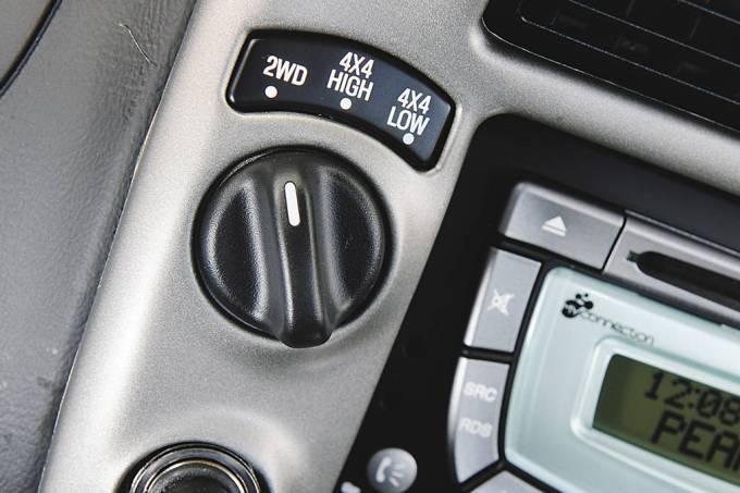 botao-que-aciona-a-tracao-4×4-da-ranger-3-0-diesel-cd-4×4-xlt-limited