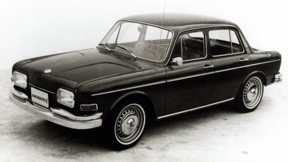 Primeiro VW de quatro portas em todo o mundo - sim, pioneirismo nacional -, ele ganhou fama de feio com o apelido Zé do Caixão e só agradou taxistas. Durou de menos de dois anos.