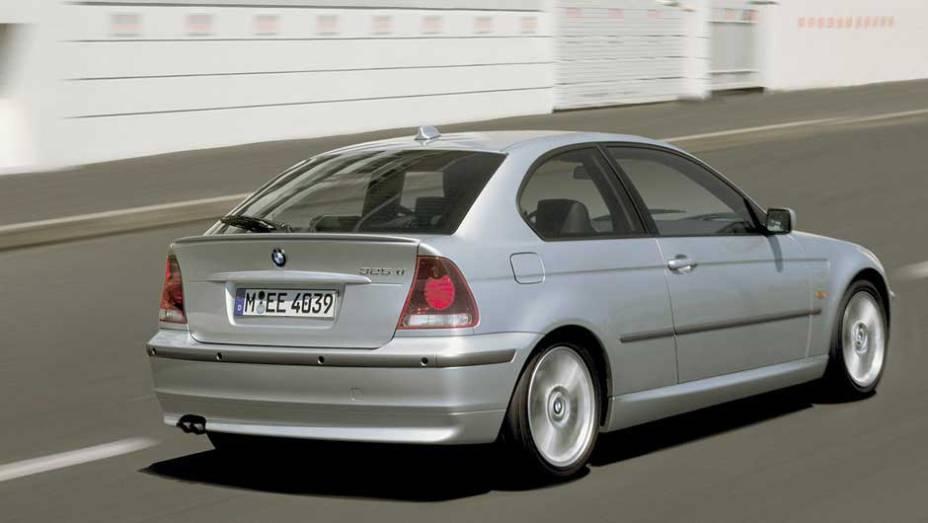 BMW Série 3 Compact: anos antes do Série 1, a marca lançou um hatch derivado do Série 3; a primeira geração até veio para cá, mas a segunda só foi vendida na Europa de 2001 a 2004