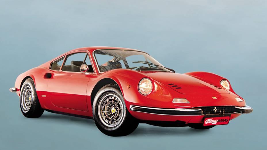 Ferrari Dino: fabricado de 1968 a 1972, o esportivo prestava tributo ao filho de Enzo, que morreu aos 24 anos de distrofia muscular
