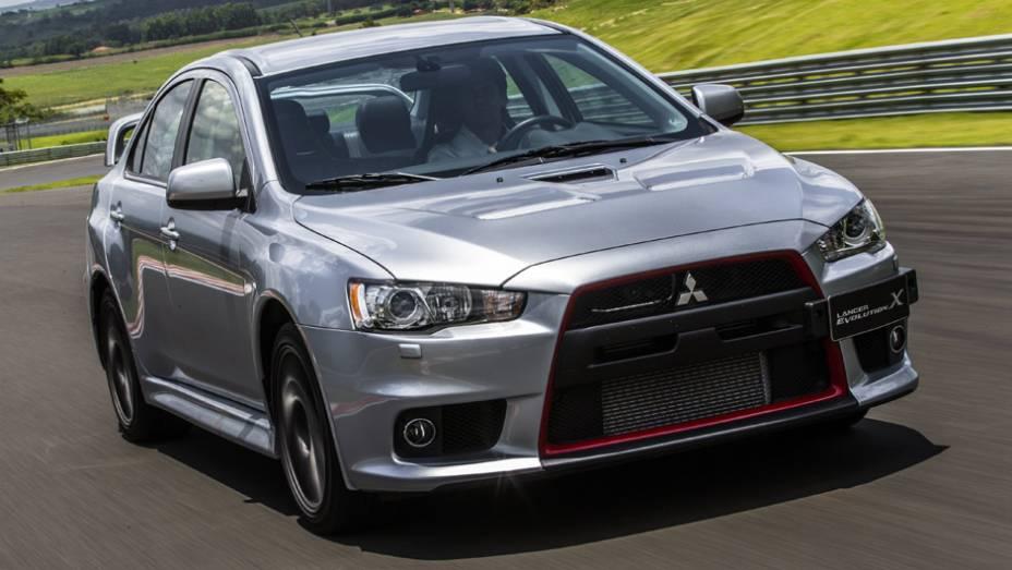 Mitsubishi Lancer Evo X John Easton: o modelo mais recente desta lista é também a série de despedida do carro; serão vendidas apenas 100 unidades modificadas pelo preparador mais renomado de Lancer Evo do mundo