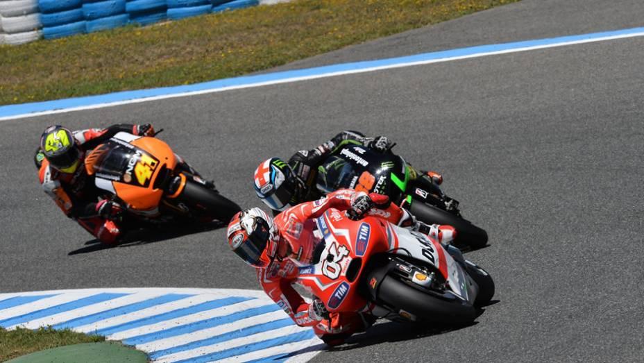 """Italiano da Ducati fez boa prova e terminou em quinto.   <a href=""""http://quatrorodas.abril.com.br/moto/noticias/quatro-vezes-marquez-781513.shtml"""" rel=""""migration"""">Leia mais</a>"""