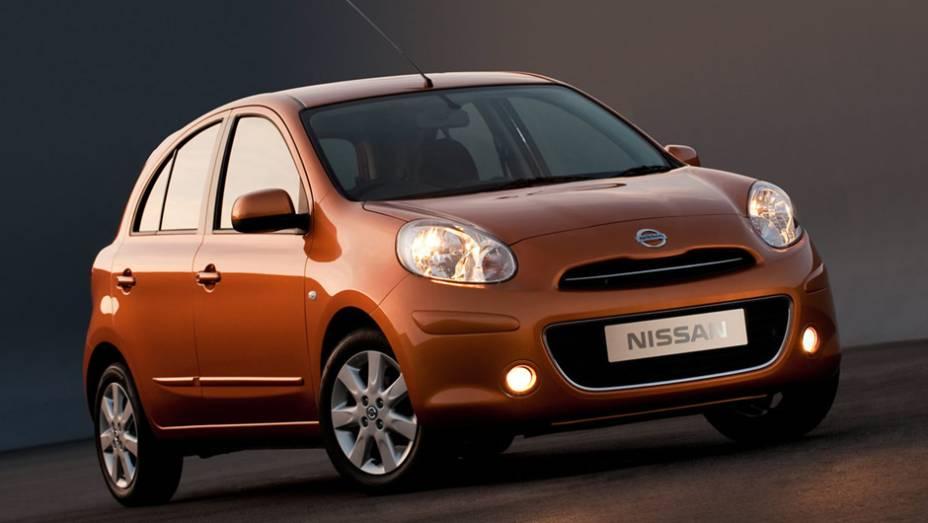 Nissan March: queda de 39,2%, com 5.959 unidades no 1º trimestre de 2013 contra 9.815 unidades em igual período de 2012