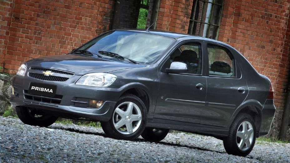 Chevrolet Prisma: a chegada da nova geração provavelmente justifica a queda de 50,2%; foram 4.592 unidades no 1º tri de 2013 contra 9.234 unidades em 2012