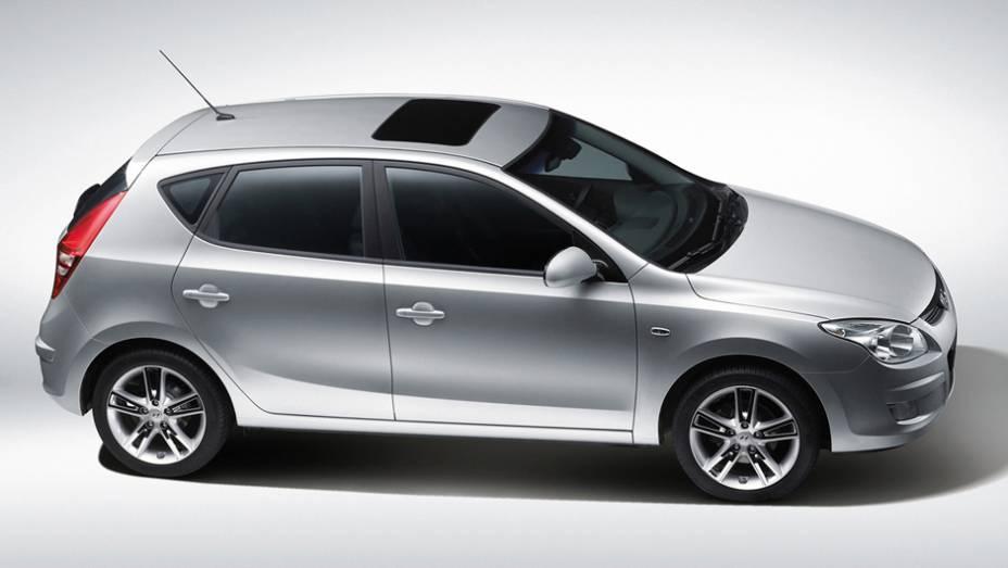 Hyundai i30: o ex-líder dos hatches médios vendeu 2.551 unidades no 1º tri de 2013 e 5.213 unidades nos três primeiros meses de 2012, com queda de 51%