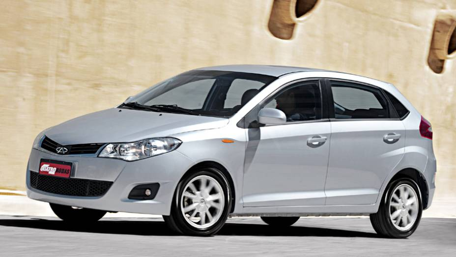 Chery Celer: 221 unidades no mês   2.465 veículos até novembro de 2014