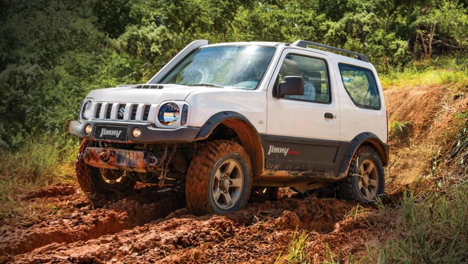 Suzuki Jimny: 208 unidades no mês   2.144 veículos até novembro de 2014