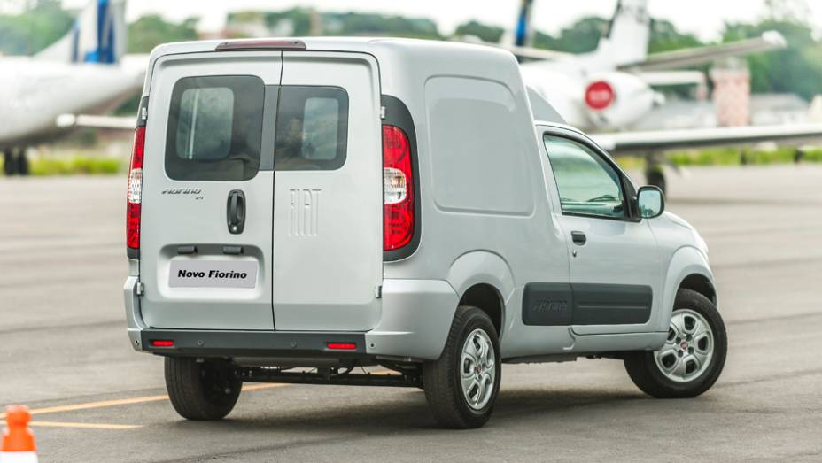 2014 - Completamente repaginada, o Fiorino passa a ser baseado na atual geração do Uno. Apenas com motor 1.4, ele leva 650 kg de carga, 30 kg a mais que o modelo anterior