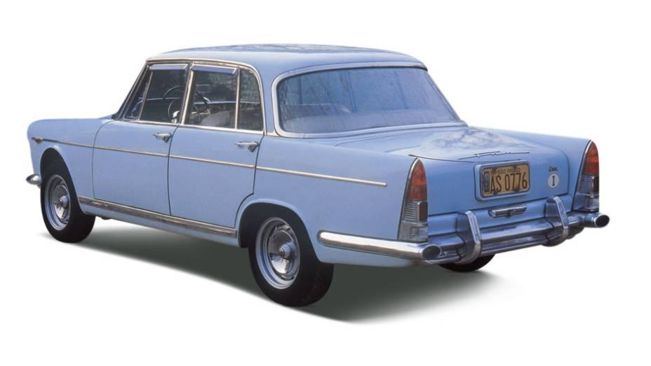 JK: derivado do Alfa 1900, abusava da tecnologia: câmbio de cinco marchas, bloco de alumínio, duplo comando de válvulas e pneu radial. Feito pela FNM, seu nome vinha do presidente Juscelino