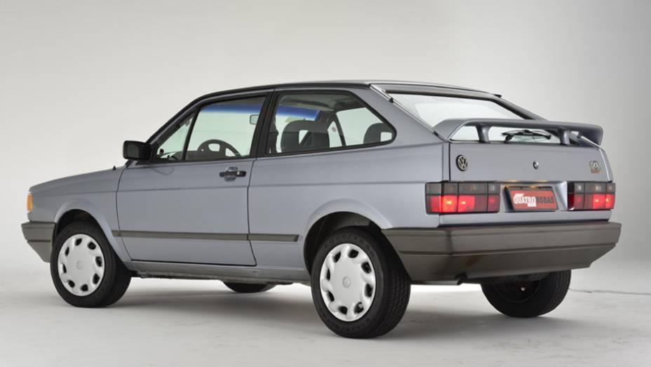 VW Gol Copa (1994): antes da chegada do Gol GII (o popular Bolinha), a marca alemã lançou esta edição, que tinha calotas, aerofólio traseiro e lanternas fumê; no mesmo ano do mundial dos EUA a GM lançou o Monza Club