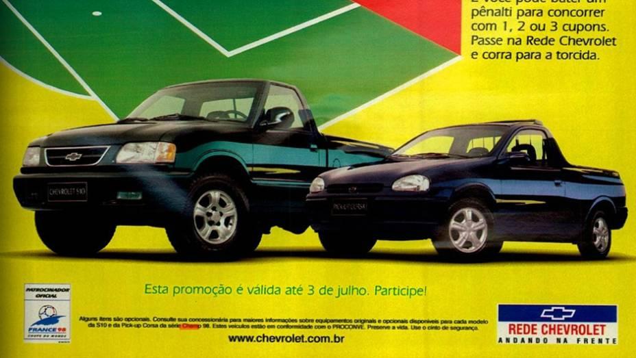 Chevrolet Corsa e S10 Champ 98 (1998): sem ter como prever o desfecho trágico para os brasileiros, a GM homenageou a Copa da França com a série Champ 98, que tinha rodas esportivas e faixas decorativas nas laterais