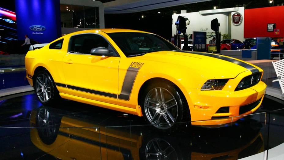 """A cor amarela faz alusão ao veículo que disputou o campeonato da Trans-Am Series em 1970 <a href=""""http://quatrorodas.abril.com.br/salao-do-automovel/2012/carros/mustang-boss-707586.shtml"""" rel=""""migration"""">Leia mais</a>"""