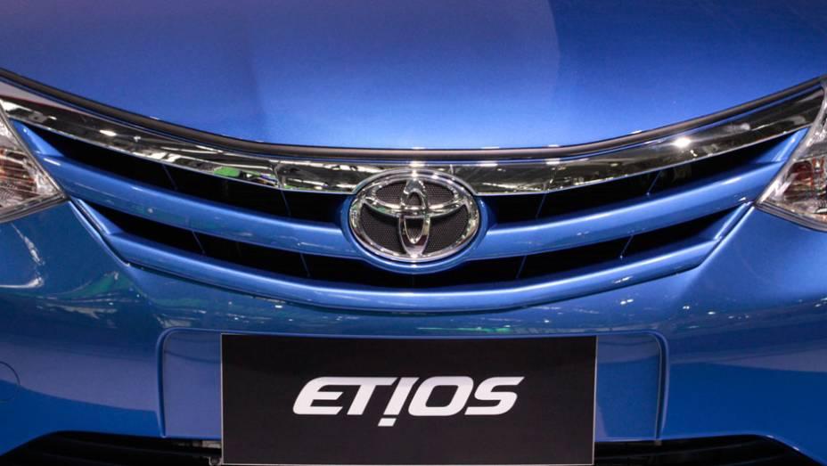 """O modelo básico, o Etios 1.3 hacthback custará R$ 29 990,00 <a href=""""http://quatrorodas.abril.com.br/salao-do-automovel/2012/carros/toyota-etios-703992.shtml"""" rel=""""migration"""">Leia mais</a>"""