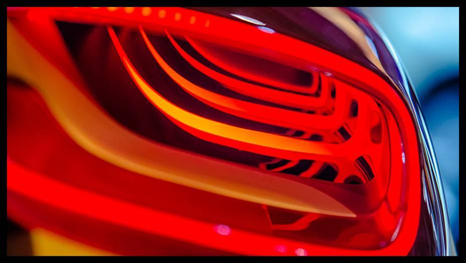 O designer e fotógrafo Fernando Pires apresenta uma visão diferente dos carros expostos no Anhembi.
