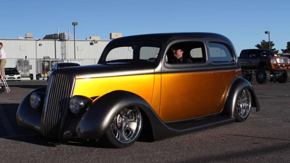 Os hot-rods não podiam faltar no SEMA, e foram bem representados por exemplares como este Ford
