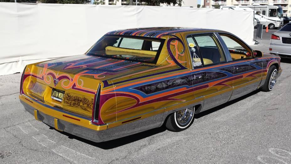 Agora, se você quer chamar atenção de verdade, fique com este Cadillac. Nem com uma melancia pendurada no pescoço as pessoas vão te olhar tanto assim