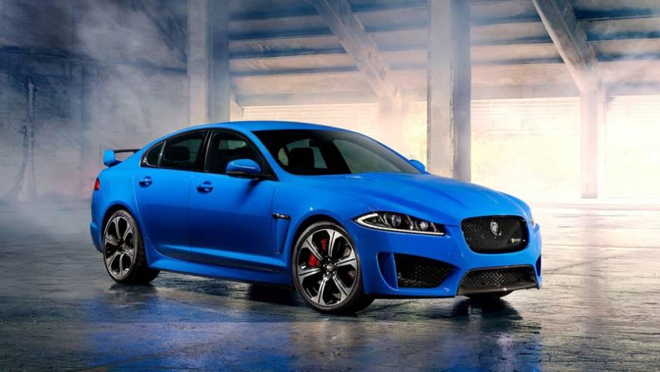 """Alta performance é o lema do Jaguar XFR-S, mostrado neste Salão de Los Angeles   <a href=""""http://quatrorodas.abril.com.br/saloes/los-angeles/2012/jaguar-xfr-s-724591.shtml"""" rel=""""migration"""">Leia mais</a>"""
