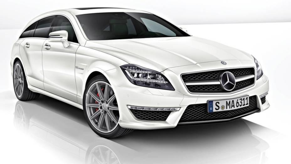 """A Mercedes-Benz anunciou um ganho considerável de potência nos modelos CLS 63 AMG e Shooting Brake   <a href=""""http://quatrorodas.abril.com.br/saloes/detroit/2013/mercedes-benz-cls-63-amg-730585.shtml"""" rel=""""migration"""">Leia mais</a>"""