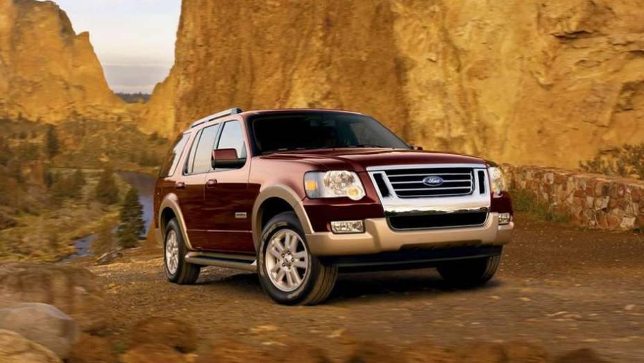 Ford - Número de veículos envolvidos: 15 milhões | Modelos: picapes e SUVs | Ano: De 1999 a 2009 | Motivo do recall: Problemas no controle de velocidade dos automóveis, que era desativado sem nenhum aviso prévio