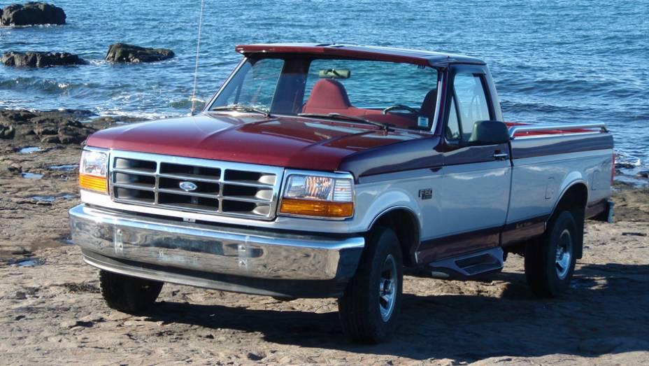 Ford - Número de veículos envolvidos: 7,9 milhões | Modelos: Thunderbird e picapes, como a F-350 | Ano: 1996 | Motivo do recall: Problemas na ignição, que provocava curto-circuito e causava incêndio