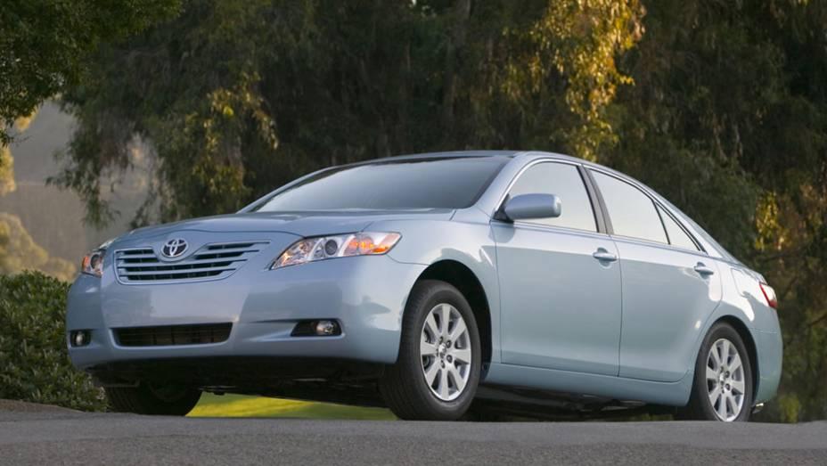 Toyota - Número de veículos envolvidos: 5,7 milhões | Modelos: Camry, Sienna e Lexus ES 350 | Ano: De 2007 a 2010 | Motivo do recall: problemas no pedal do acelerador