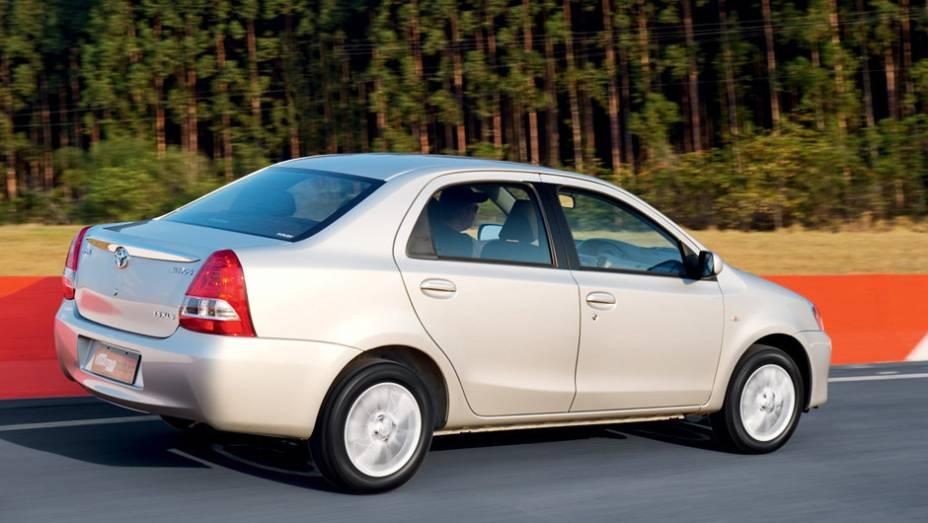 Toyota Etios Sedan: queda de 41,97% (vendas em janeiro de 2015: 1.308 x vendas em janeiro de 2014: 2.254)