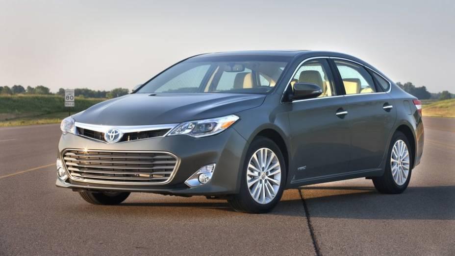 2013 - Toyota Avalon Hybrid