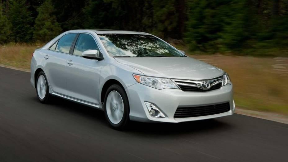 """4º - Toyota Camry - 688.337 <a href=""""http://quatrorodas.abril.com.br/noticias/mercado/minivan-chinesa-modelo-mais-vendido-2012-734156.shtml"""" rel=""""migration"""">Leia mais</a>"""