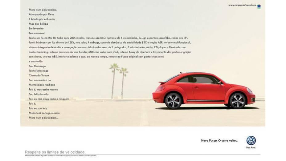 Mais recente lançamento da marca no Brasil, o Novo Fusca ganhou uma alusão à famosa letra de País Tropical, de Jorge Ben Jor.