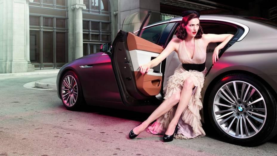 """A BMW está completando uma década de parceria com a Paris Photo   <a href=""""http://quatrorodas.abril.com.br/blogs/planeta-carro/2013/04/22/isso-e-pura-arte/"""" rel=""""migration"""">Leia mais</a>"""