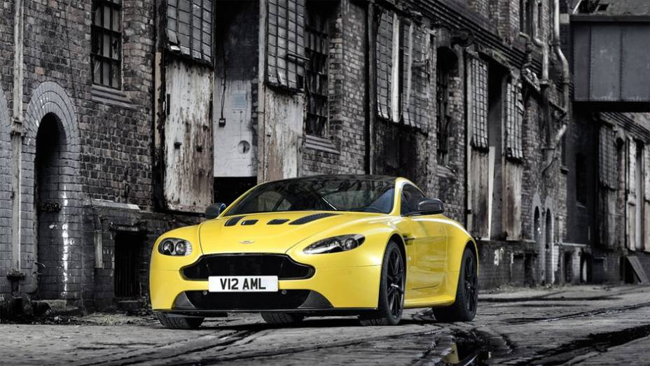 """O coupé esportivo substituirá o V12 Vantage e passa a ser o carro de rua mais rápido já produzido pela fabricante britânica depois do One-77   <a href=""""%20http://quatrorodas.abril.com.br/noticias/fabricantes/aston-martin-revela-v12-vantage-s-742642.shtml"""" rel=""""migration"""">L</a>"""