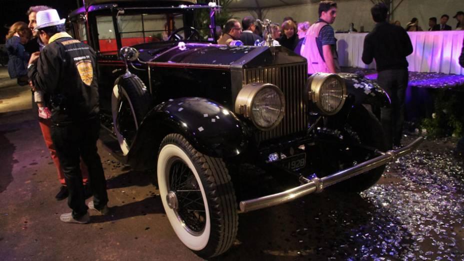 """Rolls-Royce 1928   <a href=""""http://quatrorodas.abril.com.br/noticias/classicos//encontro-paulista-autos-antigos-movimenta-aguas-lindoia-feriado-742932.shtml"""" rel=""""migration"""">Leia mais</a>"""