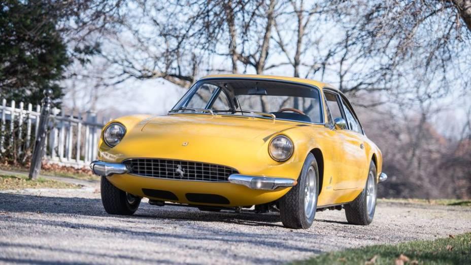Ferrari 365 - Famoso pela versão GTB4, apelidada de Daytona, o nome 365 original, assim, como as demais versões, saíram com suas imagens ofuscadas.
