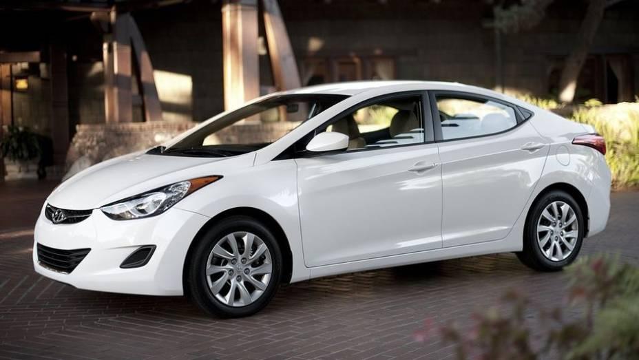 Hyundai Elantra - Vendas no 1º semestre de 2013: 425.498 unidades - Vendas no 1º semestre de 2012: 321.506 unidades - Crescimento: 32,3%