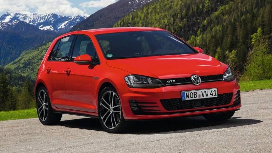 VW Golf - Vendas no 1º semestre de 2013: 335.835 unidades - Vendas no 1º semestre de 2012: 353.453 unidades - Crescimento: -5%