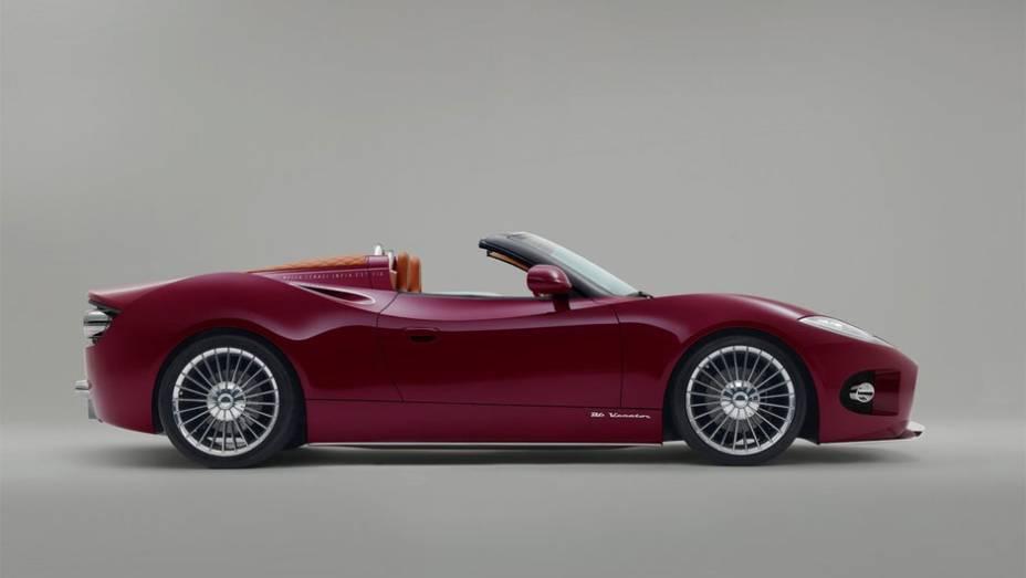"""Modelo, equipado com um motor V6 de 380 cavalos, deve entrar em produção no final do próximo ano   <a href=""""http://quatrorodas.abril.com.br/noticias/fabricantes/conceito-spyker-b6-venator-spyder-mostrado-pebble-beach-750325.shtml"""" rel=""""migration"""">Leia mais!</a>"""