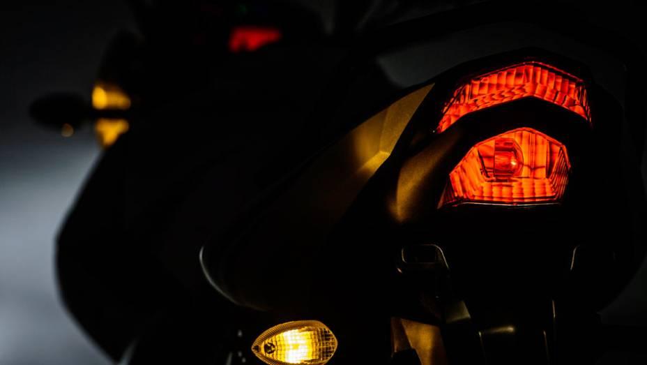"""O motor da nova Yamaha Fazer 150 desenvolve 12,2 cavalos de potência a 7.500 rpm e um torque máximo de 1,28 mkgf a 5.500 rpm   <a href=""""http://quatrorodas.abril.com.br/moto/noticias/yamaha-lanca-ys150-fazer-r-7-390-00-752066.shtml"""" rel=""""migration"""">Leia mais</a>"""