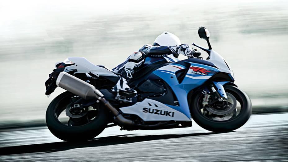 """Com válvulas de titânio, o motor da Suzuki GSX-R1000 2014 desenvolve 185 cavalos de potência e 11,9 mkgf de torque   <a href=""""http://quatrorodas.abril.com.br/moto/noticias/suzuki-lanca-gsx-r1000-2014-752224.shtml"""" rel=""""migration"""">Leia mais</a>"""