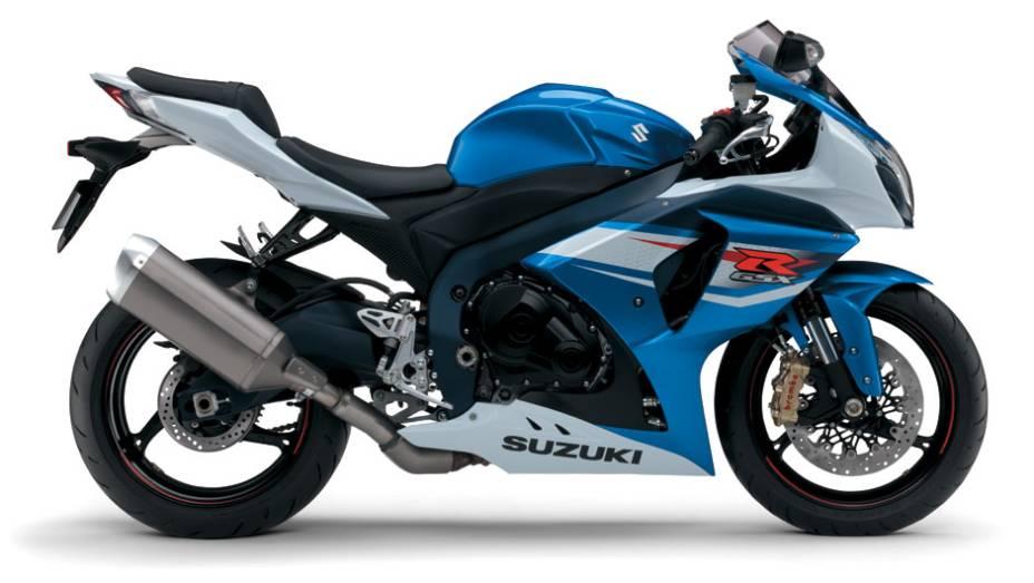 """A embreagem desta motocicleta é operada por cabo de aço e vem equipada com o sistema SCAS (Suzuki Clutch Assisted System)   <a href=""""http://quatrorodas.abril.com.br/moto/noticias/suzuki-lanca-gsx-r1000-2014-752224.shtml"""" rel=""""migration"""">Leia mais</a>"""