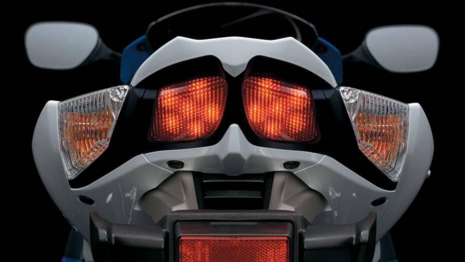 """Traseira da nova Suzuki GSX-R1000   <a href=""""http://quatrorodas.abril.com.br/moto/noticias/suzuki-lanca-gsx-r1000-2014-752224.shtml"""" rel=""""migration"""">Leia mais</a>"""