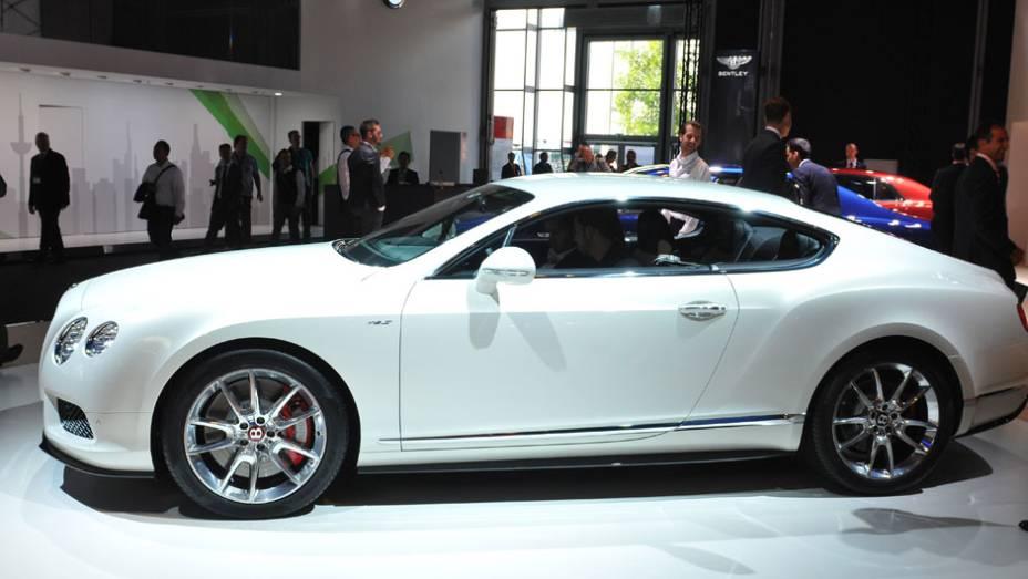 "Bentley Continental GT V8 S   <a href=""http://quatrorodas.abril.com.br/saloes/frankfurt/2013/bentley-continental-gt-v8-s-752161.shtml"" rel=""migration"">Leia mais</a>"