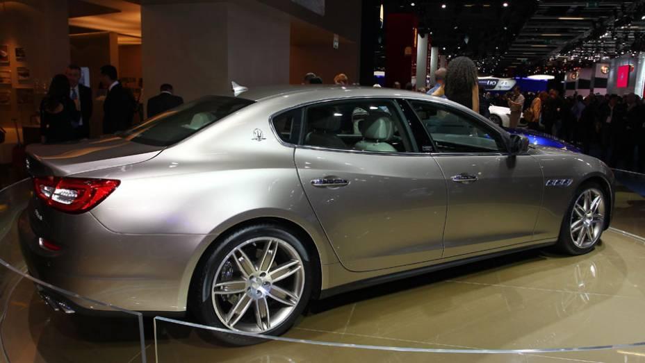"""Maserati Quattroporte Ermenegildo Zegna concept   <a href=""""http://quatrorodas.abril.com.br/saloes/frankfurt/2013/maserati-quattroporte-ermenegildo-zegna-concept-752311.shtml"""" rel=""""migration"""">Leia mais</a>"""