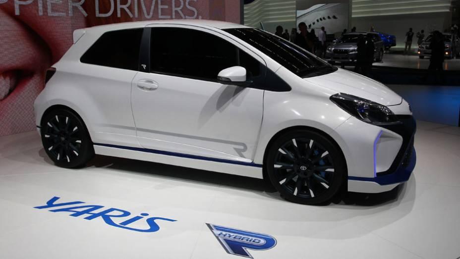 """Toyota Yaris Hybrid-R concept   <a href=""""http://quatrorodas.abril.com.br/saloes/frankfurt/2013/toyota-yaris-hybrid-r-concept-752327.shtml"""" rel=""""migration"""">Leia mais</a>"""