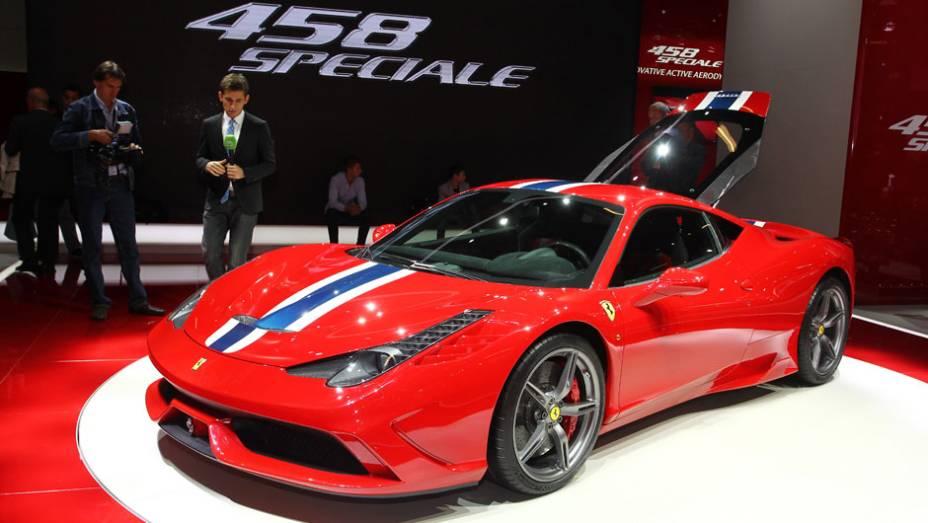 """Ferrari 458 Italia Speciale   <a href=""""http://quatrorodas.abril.com.br/noticias/fabricantes/ferrari-mostra-458-italia-speciale-750592.shtml"""" rel=""""migration"""">Leia mais</a>"""