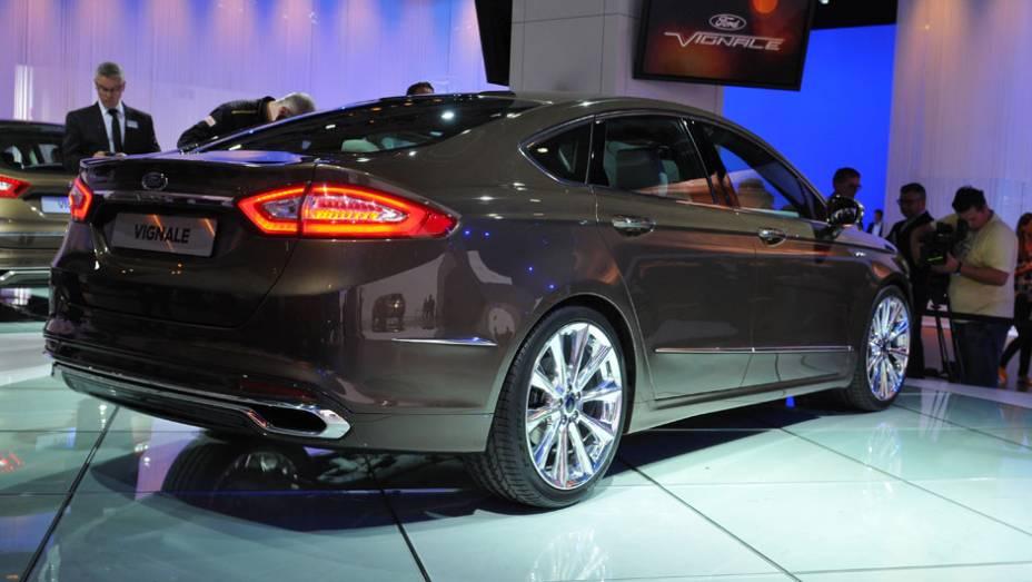 "Ford Mondeo/Fusion Vignale   <a href=""http://quatrorodas.abril.com.br/saloes/frankfurt/2013/ford-mondeo-fusion-vignale-752219.shtml"" rel=""migration"">Leia mais</a>"