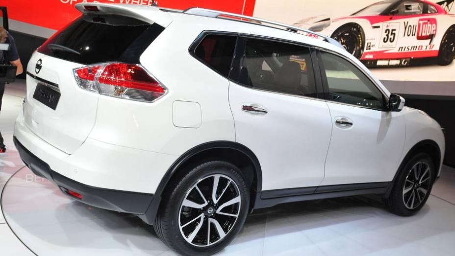 "Nissan X-Trail   <a href=""http://quatrorodas.abril.com.br/saloes/frankfurt/2013/nissan-x-trail-753322.shtml"" rel=""migration"">Leia mais</a>"