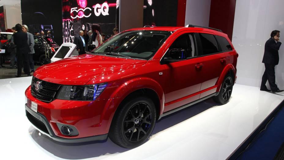 """Fiat Freemont Black Code   <a href=""""http://quatrorodas.abril.com.br/saloes/frankfurt/2013/fiat-freemont-black-code-752155.shtml"""" rel=""""migration"""">Leia mais</a>"""
