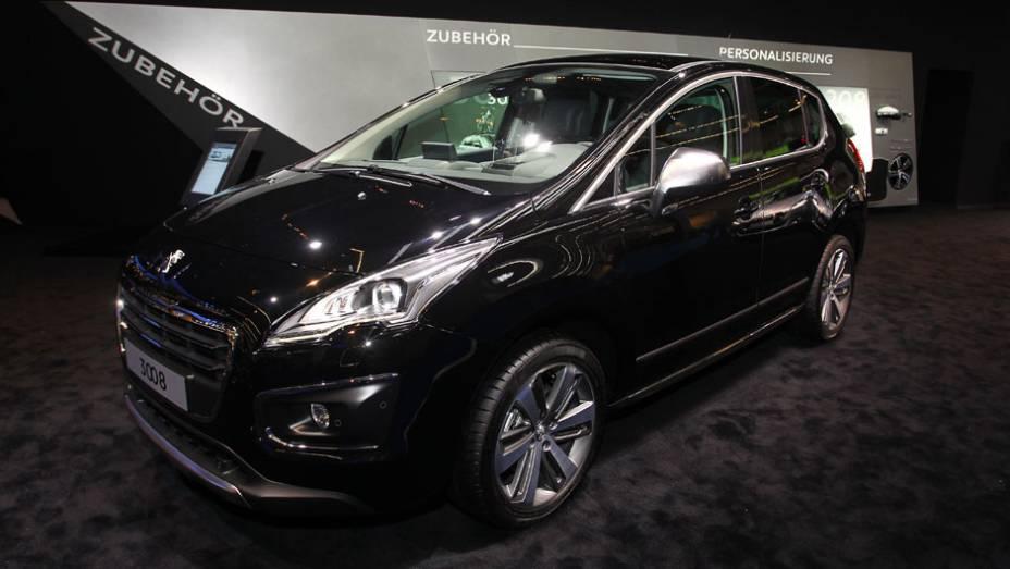 "Peugeot 3008   <a href=""http://quatrorodas.abril.com.br/saloes/frankfurt/2013/peugeot-3008-752473.shtml"" rel=""migration"">Leia mais</a>"