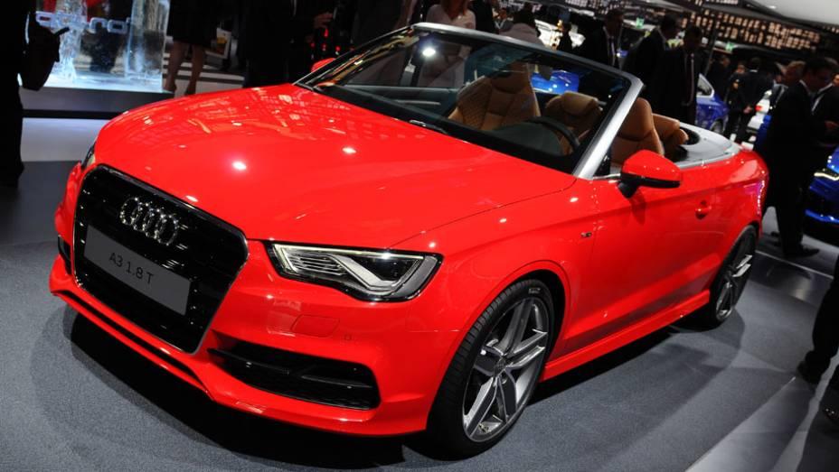 """Audi A3 Cabriolet   <a href=""""http://quatrorodas.abril.com.br/saloes/frankfurt/2013/audi-a3-cabriolet-753007.shtml"""" rel=""""migration"""">Leia mais</a>   <a href=""""http://quatrorodas.abril.com.br/galerias/saloes/frankfurt/2013/direto-frankfurt-2013-1-753497.shtml"""" rel=""""migration"""">Direto de Fran</a>"""