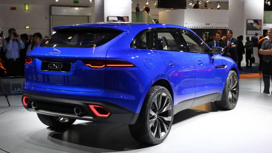 "Jaguar C-X17 concept   <a href=""http://quatrorodas.abril.com.br/saloes/frankfurt/2013/jaguar-c-x17-concept-752065.shtml"" rel=""migration"">Leia mais</a>"